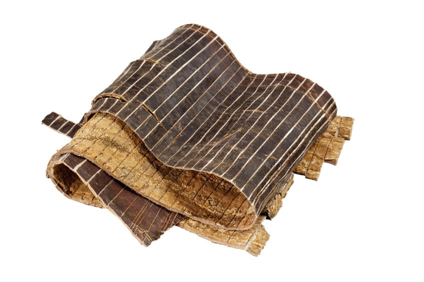 Du zhong is Eucommia Bark. It is commonly used in Chinese herbal medicine